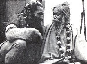 Дев Мурти и Учителят му Ятиджи Махарадж